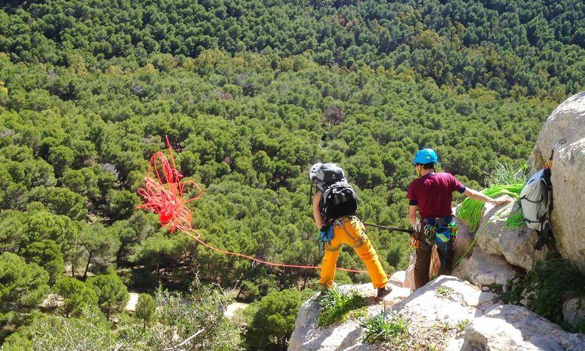 Kletterausrüstung Mehrseillängen : Seilschaftscoaching mehrseillängen klettern im sarcatal am